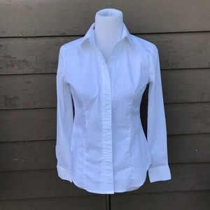 NY & Co essential button up shirt!